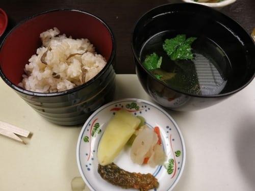 Reis mit Pilzen, Suppe und Eintopf