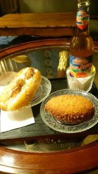 Yakitori Sandwich und Kare-Pan mit Apfelschorle