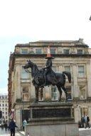 Duke of Wellington Statue mit seinem Keitkegel auf dem Kopf