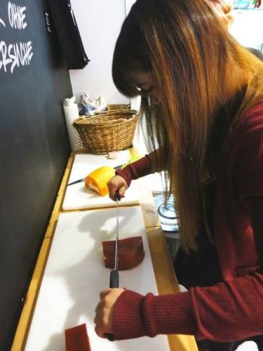 Seife schneiden - wie Käse