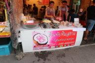 Taptim Grob - eine thailändische Süßspeise mit Wasserkastanie und Kokosnussmilch